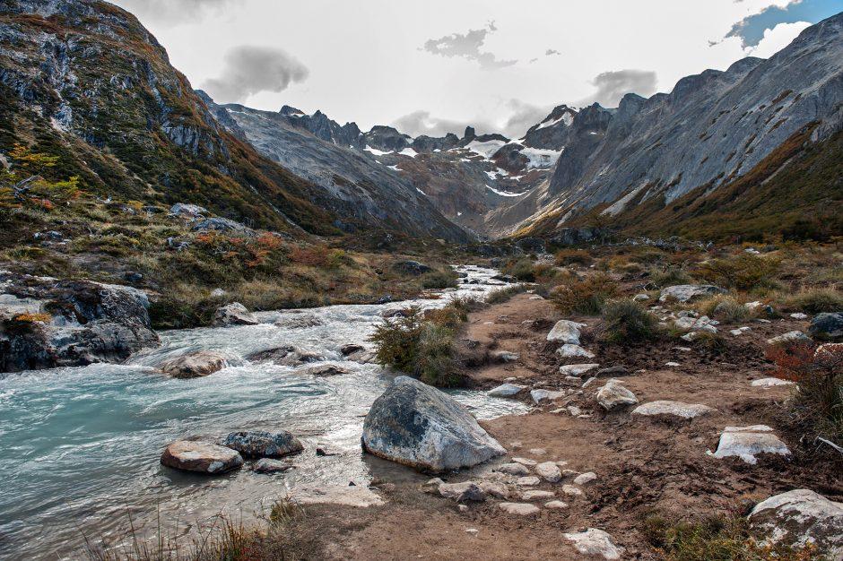 il sentiero per la Laguna Esmeralda nella Terra del Fuoco in Argentina