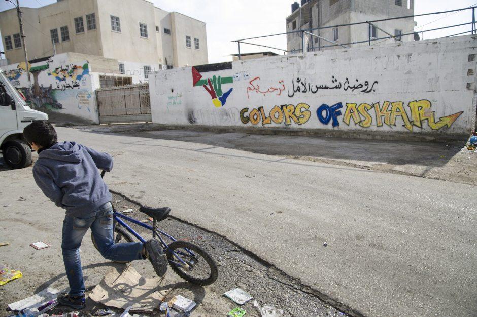 i colori di Askar, campo profughi alle porte di Nablus